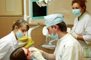 «Авторська стоматологія» спеціалізується на лікуванні дитячих зубів