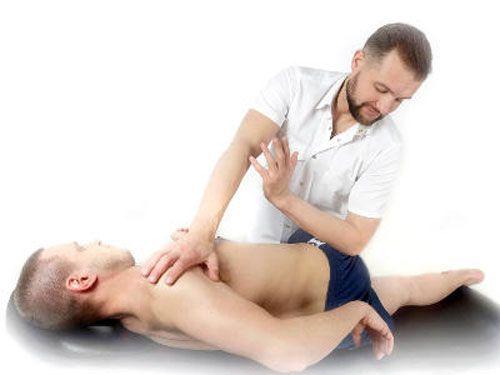 Болить спина коли лежиш: порушення у здоров`ї