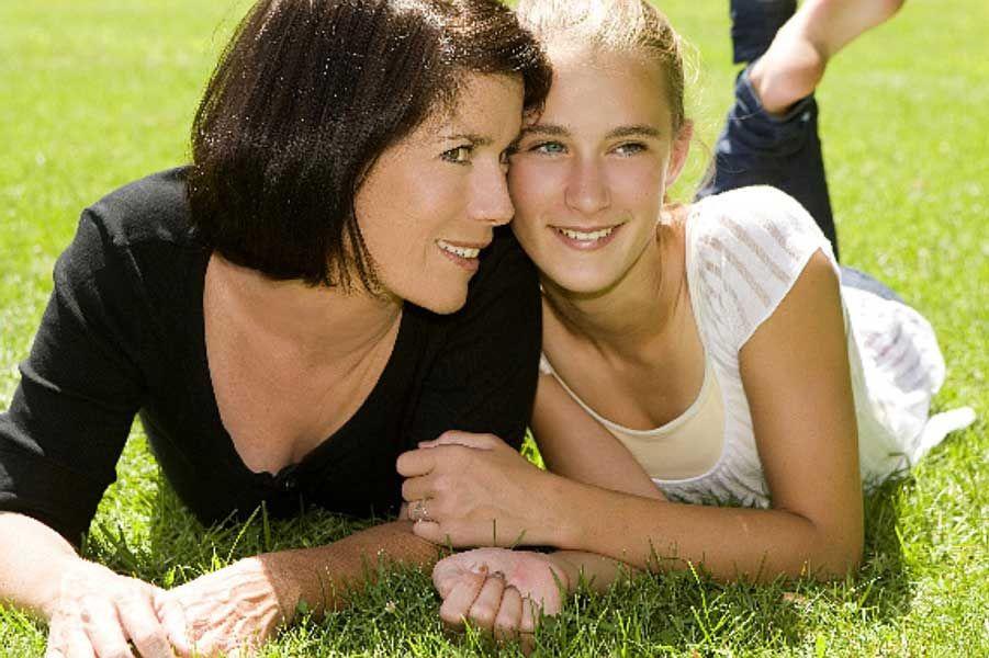 Менархе у дівчаток: особливості настання
