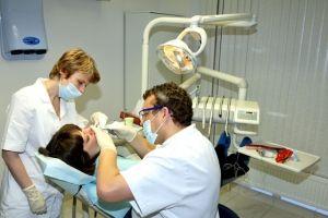 Хворі і вирвані зуби можна буде відновити лазером