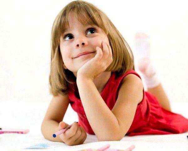 Дівчинка з олівцем