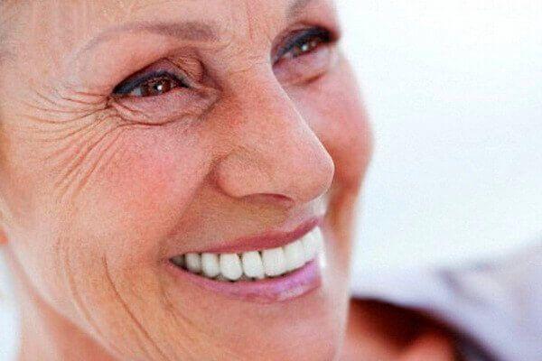 Фіттідент крем для фіксації зубних протезів: ціна, інструкція, поради