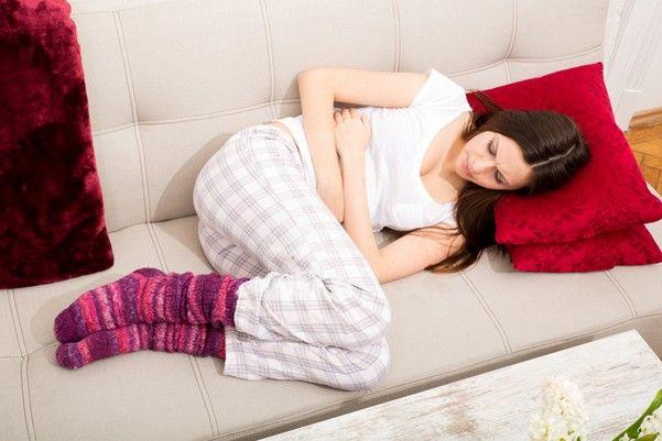 у дівчини болить живіт- порушення менструального циклу