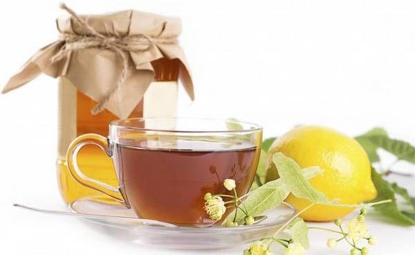 Мед з чаєм від бронхіту