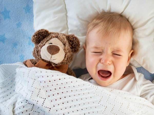 Нічні судоми у дітей уві сні: причини і лікування