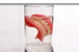 Пневмонія і зубні протези