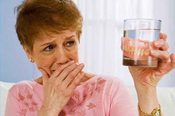 Корисна інформація про ремонт зубного протеза