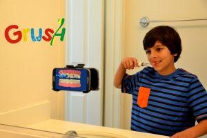 З новою щіткою чистка зубів перетвориться на веселу гру
