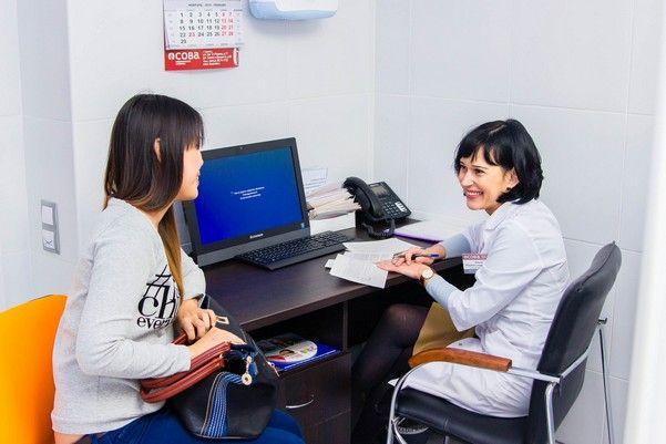Жінка у лікаря