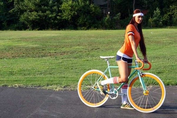 Під час місячних чи можна кататися на велосипеді?